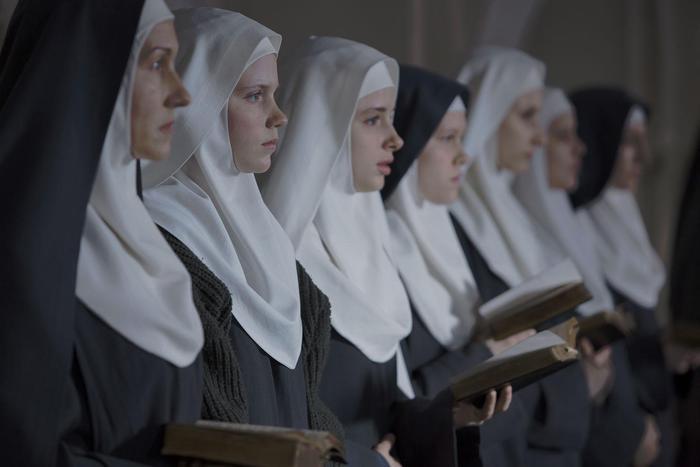 """Vaticano: """"Sì all'utilizzo dei social per le suore di clausura, ma con discrezione e sobrietà"""""""