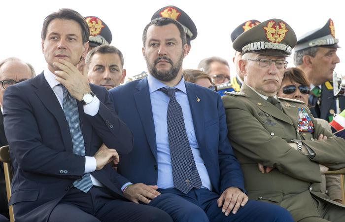 """Salvini: """"Chiudere cartelle Equitalia sotto 100mila euro. Semplificare il sistema fiscale e ridurre le tasse"""""""