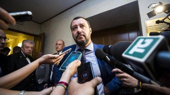 """Migranti, Salvini: """"Conte non vada a Bruxelles se accordo Ue è già stato scritto. La Spagna si prenda i prossimi 4 barconi"""""""