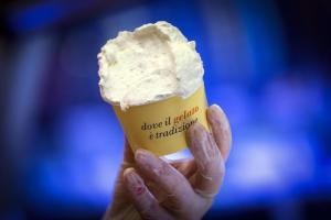 Palermo, compra un gelato e dentro ci trova un dito mozzato: era del dipendente del bar