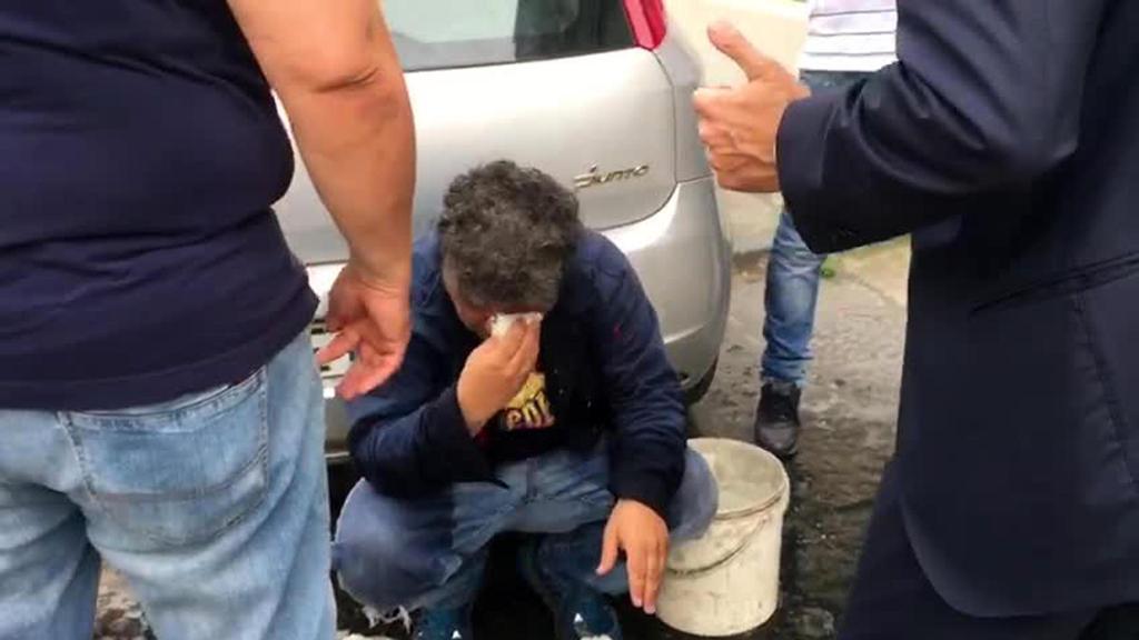 """Pomigliano d'Arco, operaio licenziato si cosparge di benzina sotto la casa di Di Maio. Lui va a trovarlo in ospedale: """"Lo Stato c'è"""""""