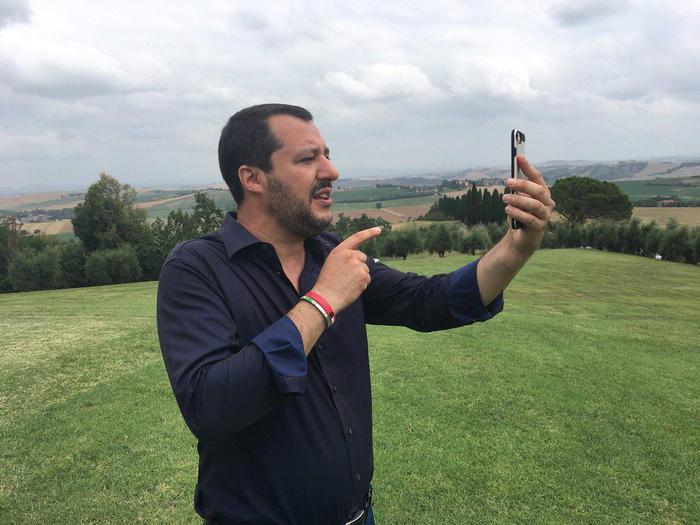 """Immigrazione, Salvini: """"Boeri fa il fenomeno. C'è molto da cambiare negli apparati pubblici"""""""