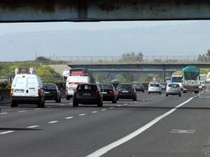Tragedia sull'autostrada A1. Dopo concerto di Roger Waters l'auto si schianta. Muoiono madre, padre e figlia di sei mesi