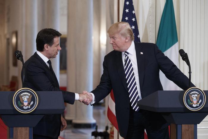 """Trump riceve Conte alla Casa Bianca: """"Gli Usa riconoscono leadership Italia in Libia"""""""