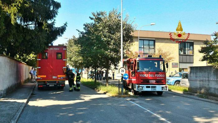 Attentato alla sede della Lega di Treviso. L'ordigno non ha causato danni ma un secondo è stato disinnescato: era una trappola per la polizia