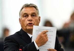 Europarlamento vota contro Orban: via libera all'articolo 7 per le sanzioni all'Ungheria