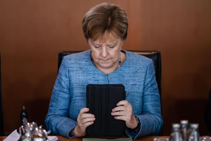 """Germania, Angela Merkel non si ricandida cancelliera: """"Lascio anche la presidenza della Cdu"""""""
