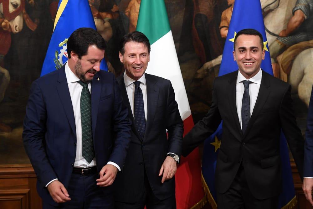 """Draghi: """"Bce non si piegherà alle esigenze di deficit dell'Italia"""". Salvini, Di Maio e Conte in coro: """"Avanti con responsabilità ma la manovra non cambia"""""""