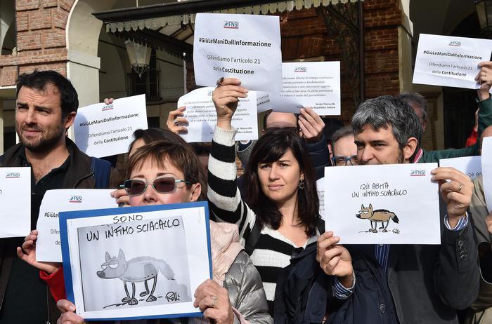 """Libertà di stampa, giornalisti in piazza in tutta Italia: """"Giù le mani dall'informazione"""". Di Maio: """"Chi parla di dittatura ha epurato Biagi o Gabanelli"""""""
