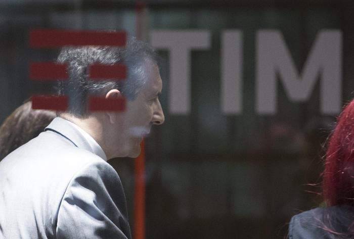 Tim, Cda nomina Luigi Gubitosi amministratore delegato: il socio di maggioranza Vivendi è contro