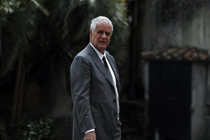 Roberto Formigoni condannato a 5 anni e 10 mesi: l'ex governatore va in carcere