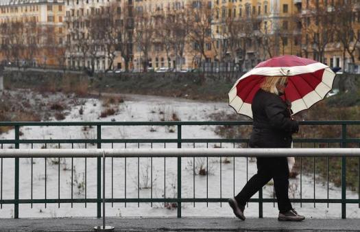 Meteo, freddo in arrivo: settimana di grandine e temporali