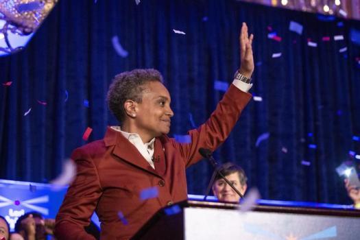 Usa, a Chicago eletta prima sindaca afroamericana e apertamente gay