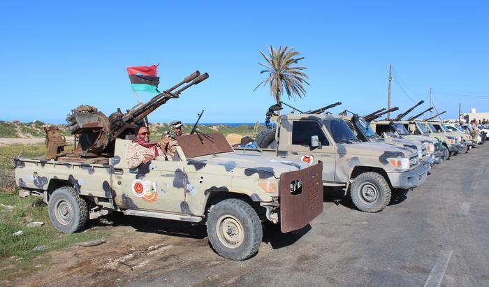 """Libia, Serraj e l'offensiva """"Vulcano di rabbia"""" contro Haftar. Tregua Onu non rispettata"""