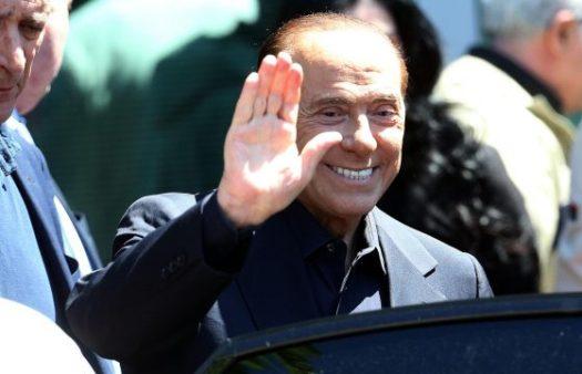 """Berlusconi dimesso dal San Raffaele: """"Temevo di essere arrivato alla fine del girone… Invece farò campagna elettorale"""""""