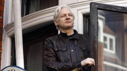Wikileaks, Julian Assange rischia 170 anni di carcere: dagli Usa 17 capi d'accusa