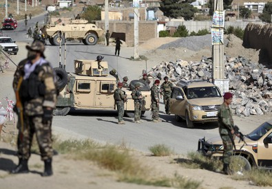 Afghanistan, autobomba a comizio Ghani: 24 morti. Altra esplosione vicino ambasciata Usa