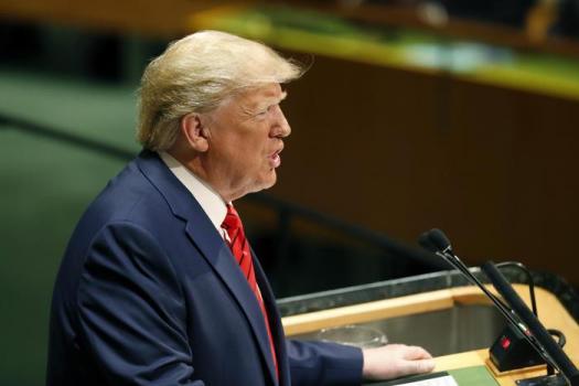 Impeachment contro Trump: l'annuncio di Nancy Pelosi e lui invoca la caccia alle streghe