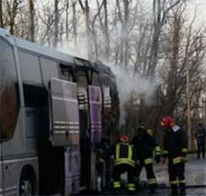 Autobus a fuoco tra Arluno e Vanzago