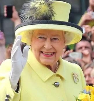 queen-elizabeth-324x349 Brexit. conseguenze e il destino dell' Europa Politica Prima Pagina