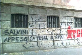 """salviniscrittetenca-350x234 Minacce di Morte a Matteo Salvini. """"Finirai appeso per i piedi"""" Il mensile di Roberto Colombo Politica Prima Pagina"""