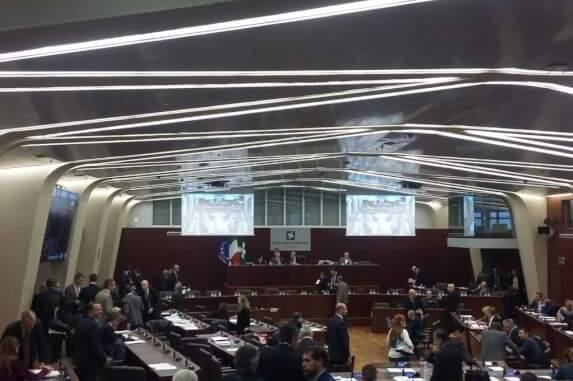 Consiglio regione Lombardia autonomia