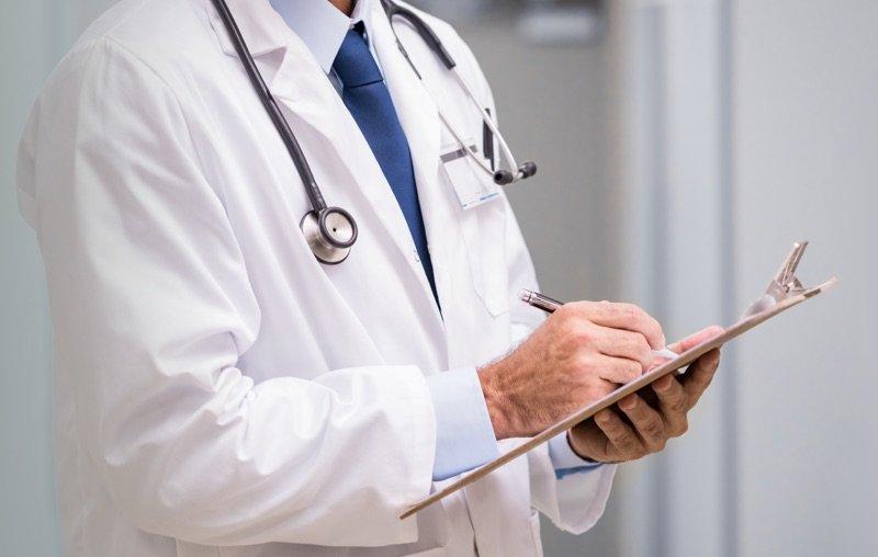 medico-tiroide-tomella Femminicidio. Estirpare il fenomeno formando medici di famiglia e forze dell'ordine Storia e Cultura