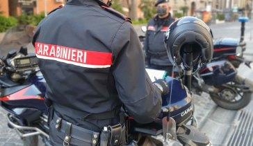 Napoli, in 4 sullo scooter al rione Sanità: denunce e sequestri