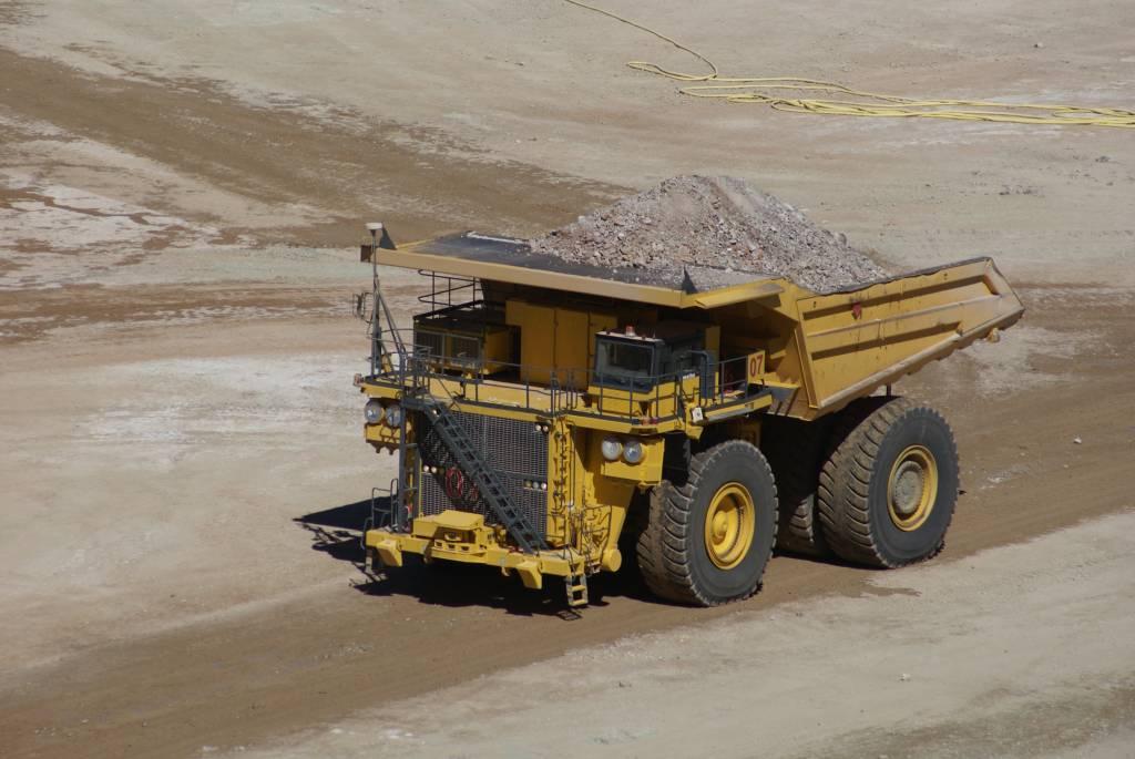 Previenen impacto negativo sobre minería boliviana por paro en Chile