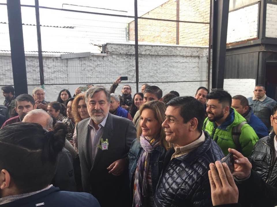 Alejandro Guillier acecha a un estancado Sebastián Piñera — Adimark