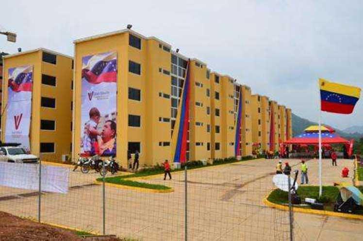 Maduro: Si quieren hablar de DDHH hablemos de la gran misión vivienda