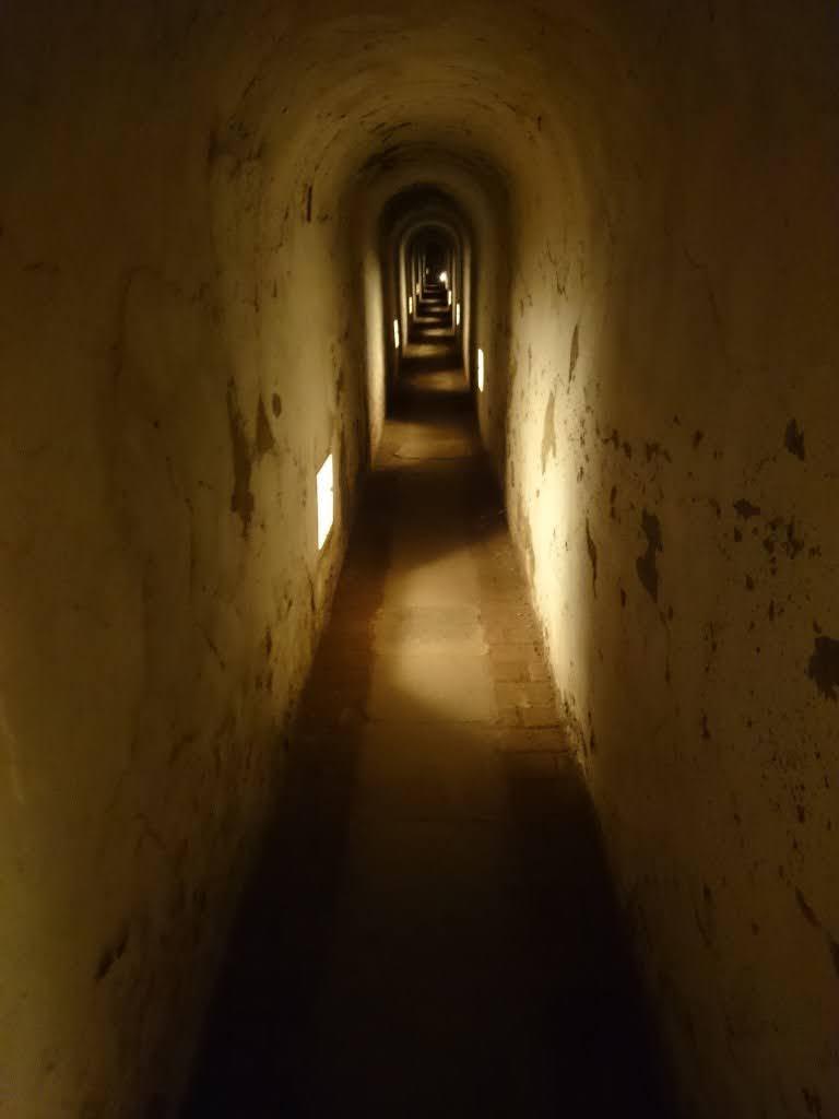 Un kilómetro para pensar.Campo de Concentración Terezin. Cementerio Terezin Memorial.Praga