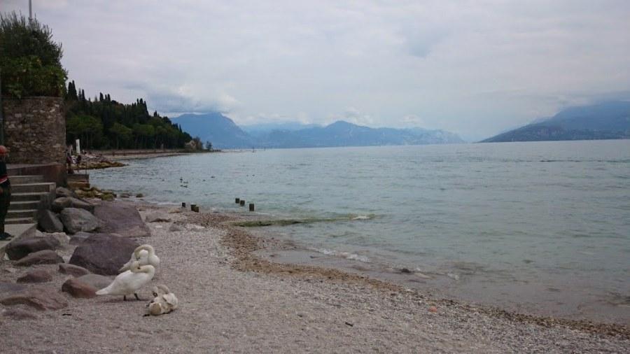 Playa de Sirmione. Qué ver en el Lago di Garda en un dia. Peschiera, Sirmione y Desenzano