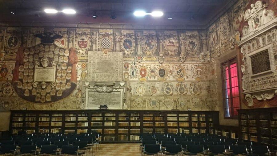 Biblioteca Archiginnasio. Qué ver en Bolonia.