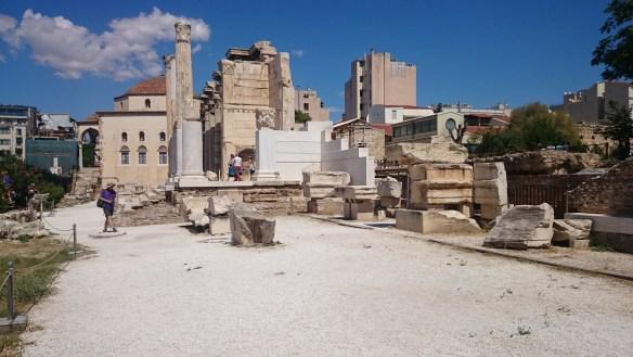 Playas de Atenas, Centro de Atenas y Pireo. Biblioteca de Adriano.