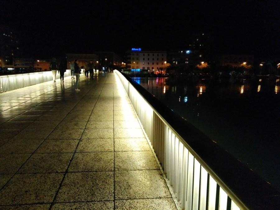 Un día en Zadar.Puente que une la ciudad antigua con la parte nueva.