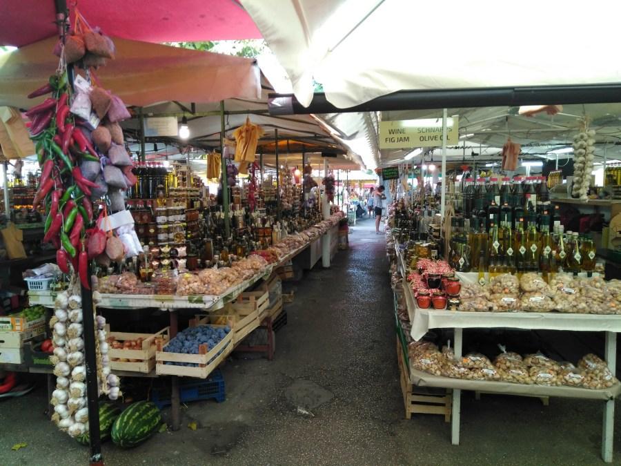 Sibenik y Trogir.Mercado de Trogir. Croacia.