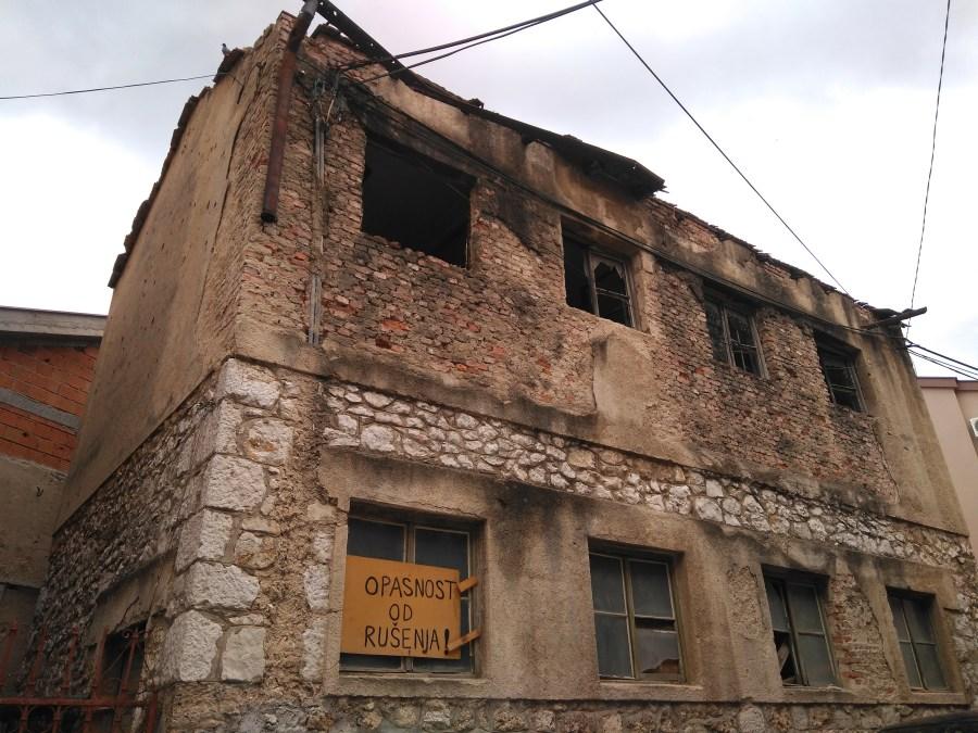 Marcas de la guerra en Mostar.