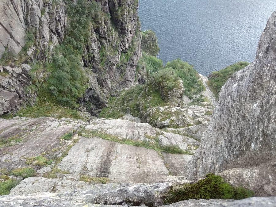Ruta de Preikestolen. El Púlpito . Noruega.