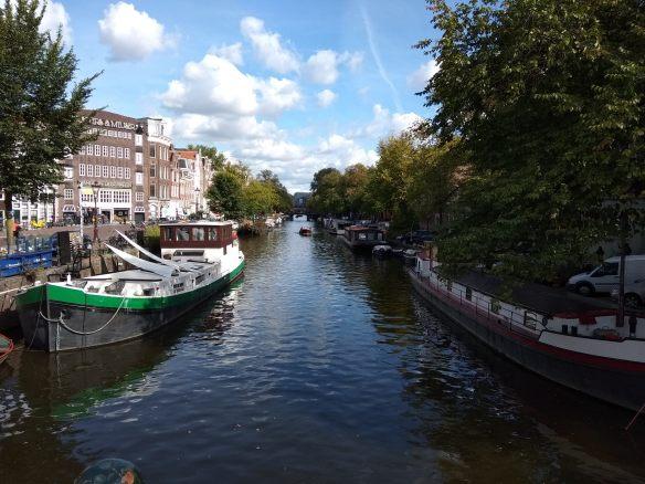 Ámsterdam en 3 días. Casas flotantes en los canales.