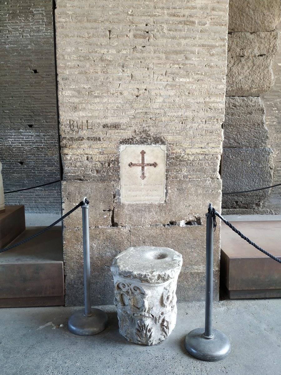Puerta Santa en el Coliseo.