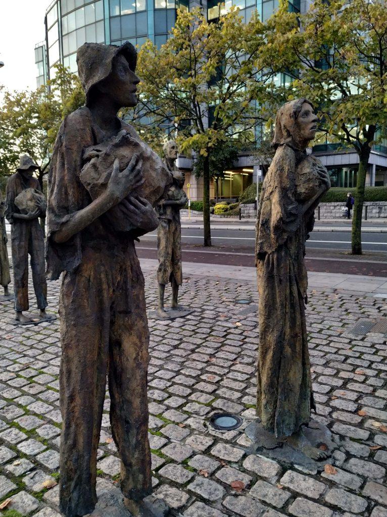 Qué ver en dublín. The Famine Memorial.