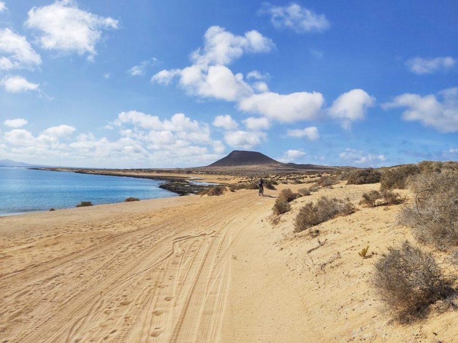 Playa del Salado en isla La Graciosa.