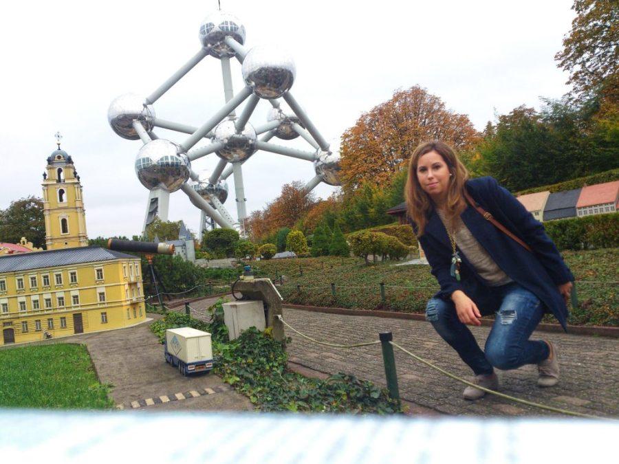 Atomium de Bruselas desde el Mini Europe.