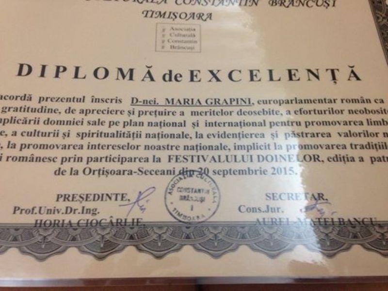 Doamna Grapini a fost premiata pentru promovarea limbii romane!