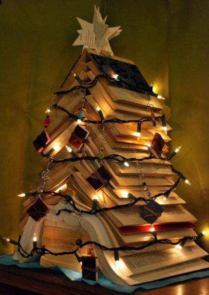 Alternative-Christmas-tree-ideas-tree-from-books-4