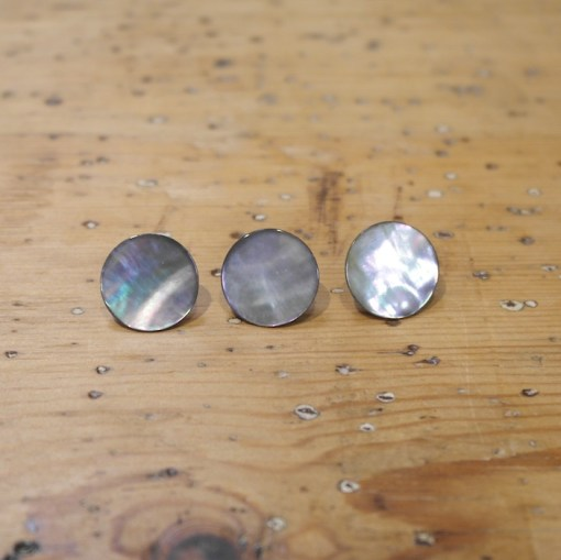 Buttons mother of pearl w shank