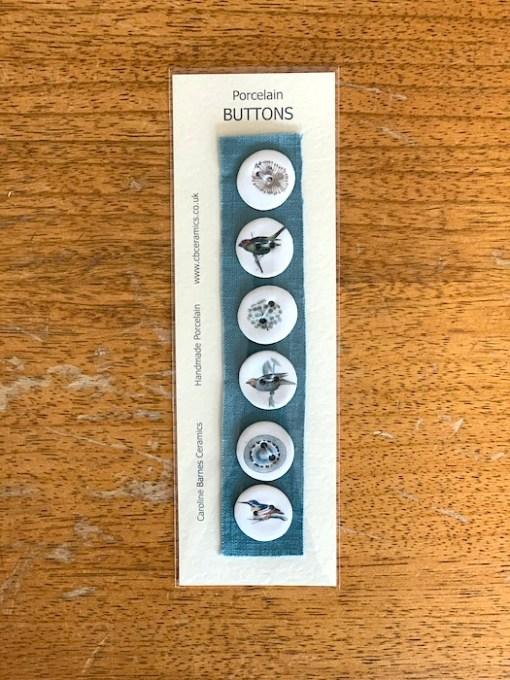 Carol Barnes ceramic Buttons Birds blue 22cm