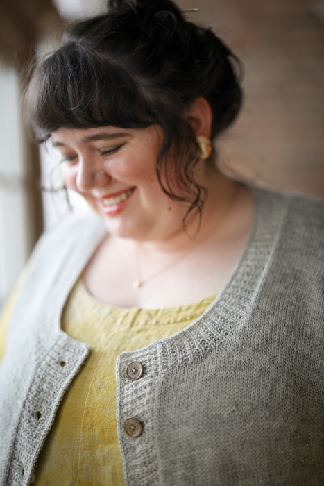Close up deren vest Embody - Jacqueline Cieslak by Pom Pom Press