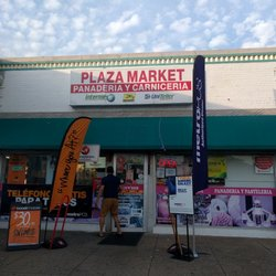 Plaza Market store on Glebe Road. Photo courtesy of Yelp.